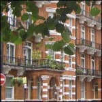 Is a joint tenant who leaves when others remain entitled to be refunded her share of the deposit?